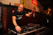 DJ Rob de Jong bij Dina
